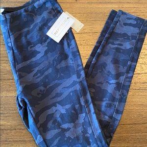 For the Republic camo leggings/blue/tummy control